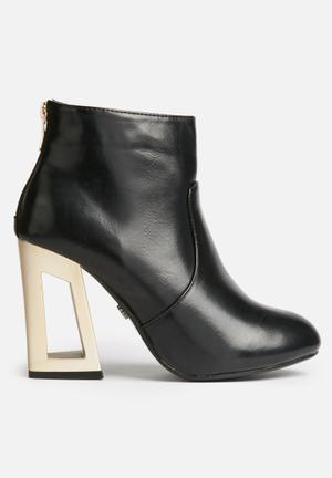 Felice Ankle Boot