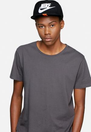 Nike Futura Snapback Headwear Black & White