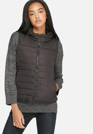 Marit quilted sleeveless jacket
