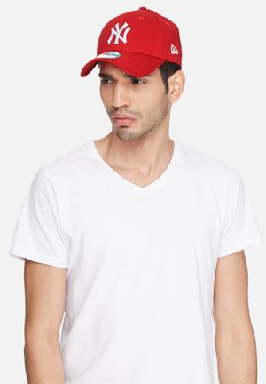 New Era 9Forty NY Yankees Headwear Red