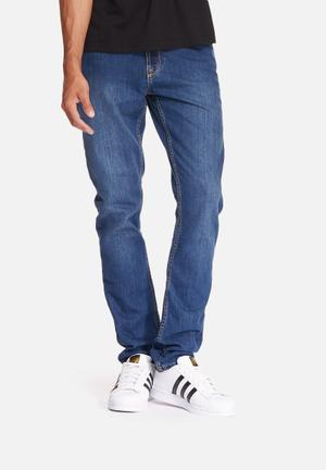 GUESS Slim Tapered Fit Jeans Blue