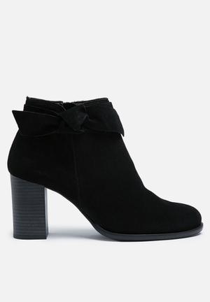 Vero Moda Fena Suede Boot Black