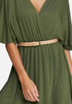 Twist detail leather belt