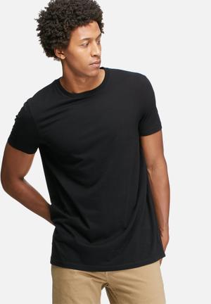 Basicthread Longline Crew Neck Tee T-Shirts & Vests Black