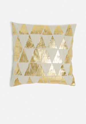 Pyramid cushion cover