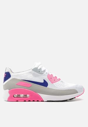 Nike Air Max 90 Ultra 2.0 Flyknit Sneakers  White / Concord / Laser Pink