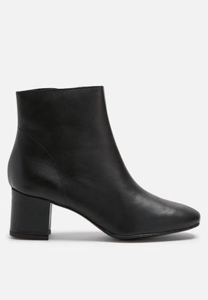 Pieces Amoni Leather Boot Black