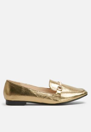 Metallic loafer