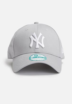 New Era 9Forty NY Yankees Headwear Grey & White