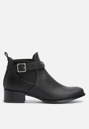Dailyfriday Buckled Chelsea Boot Black
