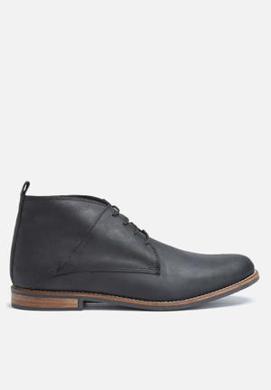 Mpho leather boot
