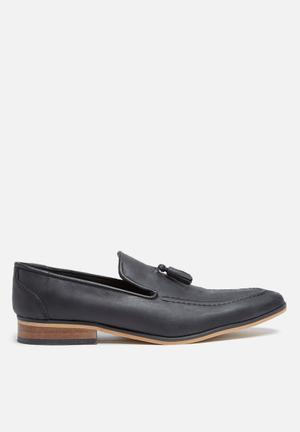 Basicthread Percy Leather Loafer Black
