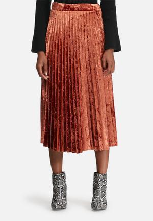 Velvet pleated midi skirt