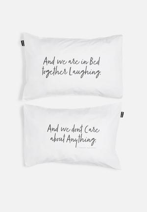 Hello Dolly In Bed Together Laughing Pillowcase Set Of 2 Bedding 100% Cotton