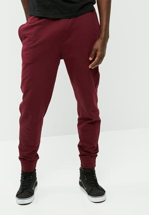 Basic slim fit sweatpant