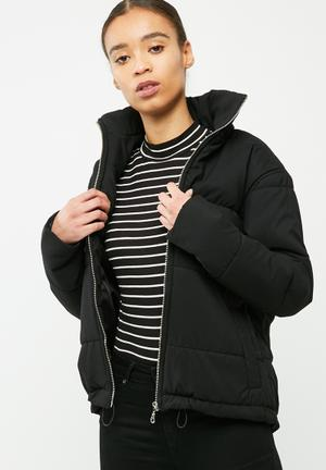 Puffer jacket with drawcord hem