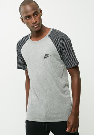 Nike Reflective Raglan Tee T-Shirts Grey & Black