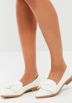 Footwork Sienna Pumps & Flats White