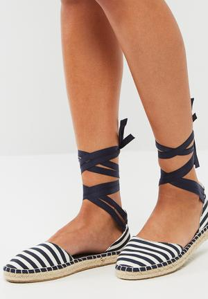 ONLY Esther Espadrille Pumps & Flats Navy & White