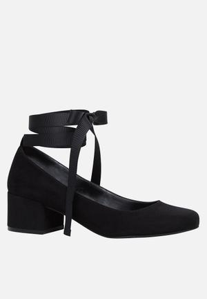Call It Spring Staniue Boots Black