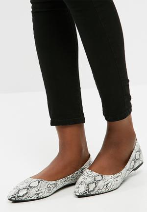Dailyfriday Pointy Toe Pumps Grey & Black
