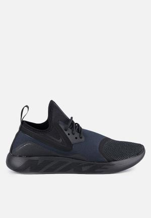 Nike LunarCharge Essential Trainers Black / Volt