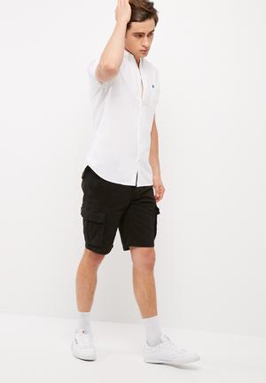 Slim cargo shorts