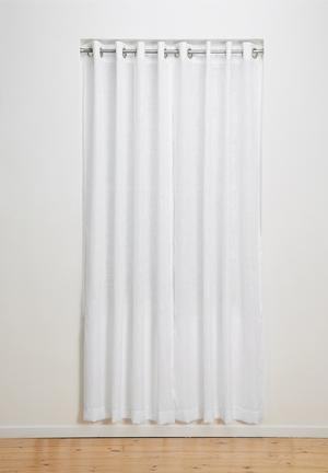 Eyelet curtain unlined