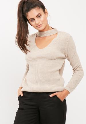 Choker detail knit