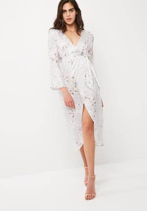 Missguided Silky Floral Kimono Midi Dress Occasion Grey
