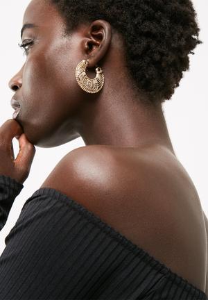 Chunky engraved earrings