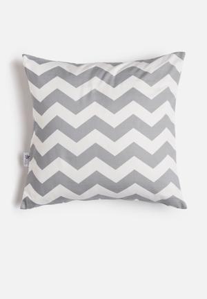 Chevron cushion cover