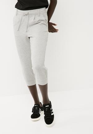 Pretty 3/4 pants