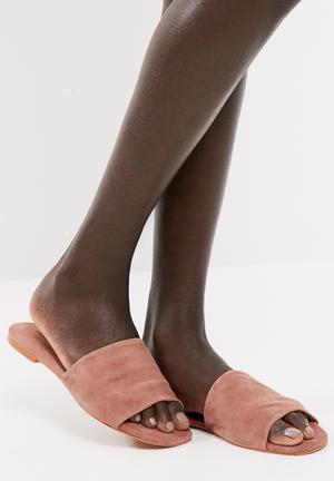 Mari leather sandal