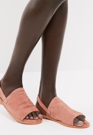 Mea leather sandal