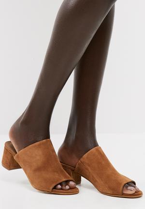 Sila leather mule