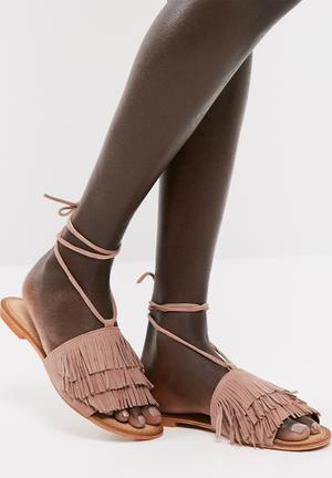 Silja leather sandal