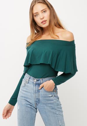 Off shoulder frilled top