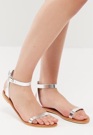 Desert sandal