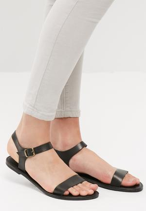 Core leather sandal