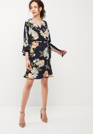 Vero Moda Sassy Kimono Dress Casual Navy
