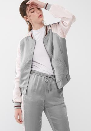 ONLY Deluxe Contrast Bomber Jackets Grey & Pink
