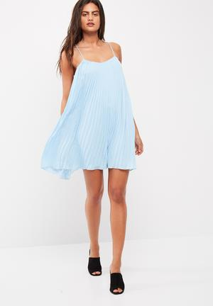 Missguided Strappy Pleated Swing Dress Casual Pale Blue