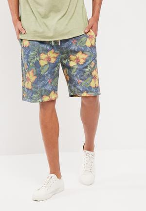 Relaxed sweatshort