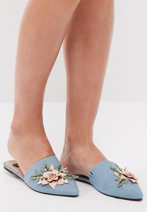 Footwork Sia Pumps & Flats Blue
