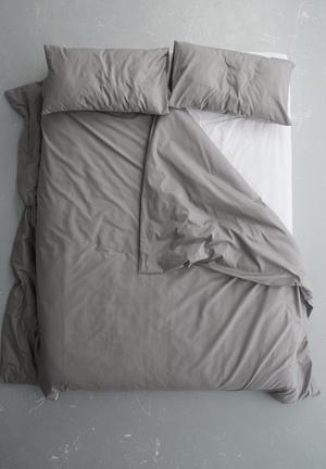 Sixth Floor Simple Duvet Cover Set Bedding 50% Cotton 50% Polyester