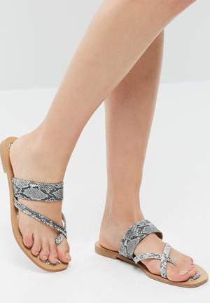 Zoom Katy Sandals & Flip Flops Grey