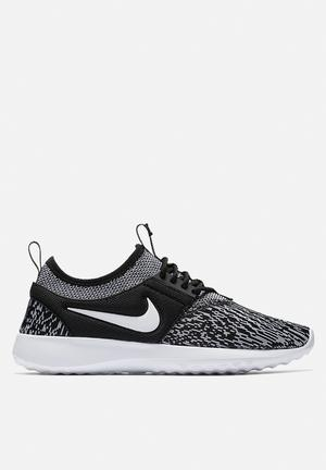 Nike Juvenate Trainers Black / White
