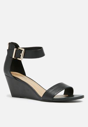 Call It Spring Clohessy Heels Black