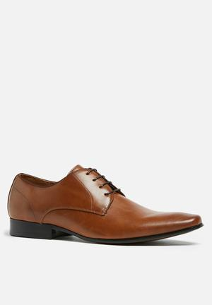 Call It Spring Ywi Formal Shoes Tan